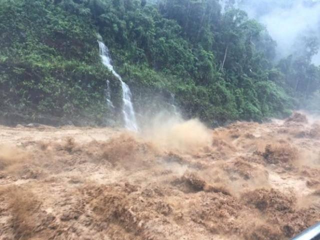 Lũ tràn về miền Bắc như thác đổ: 8 người chết và mất tích, giao thông tê liệt