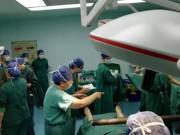 Tưởng chỉ bị sốt thông thường, mẹ trẻ vừa nhập viện bác sĩ đã nói:   Mổ cấp cứu ngay!