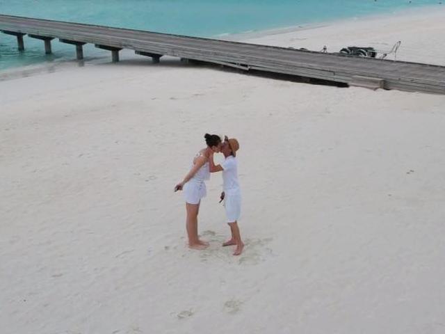 Đăng ảnh hôn nhau ngọt ngào, Cường Đôla và Đàm Thu Trang bị nghi ngờ đang đi chụp ảnh cưới