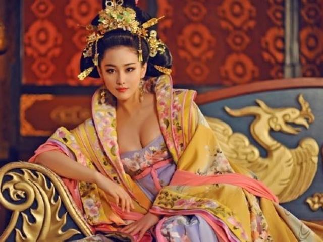 Chiêu độc của vị Hoàng hậu cao tay khiến Hoàng đế không dám ân sủng bất kỳ ai khác