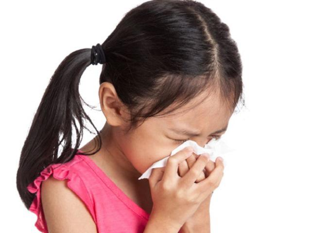 Trẻ ho có đờm: Nguyên nhân và cách điều trị đúng nhất