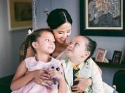 """Giải trí - Hồng Nhung chia sẻ sau ly hôn: """"Tự xốc mình lên và cho con được cười hồn nhiên"""""""