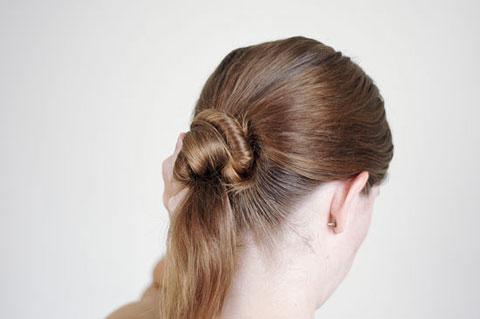 Búi tóc đơn giản kiểu Ballet chỉ với 11 bước - 6