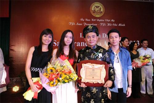 thuy vinh rang ngoi hanh phuc ben con trai - 5