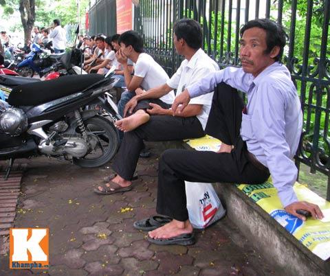 muon kieu phu huynh ngong con thi dai hoc - 1
