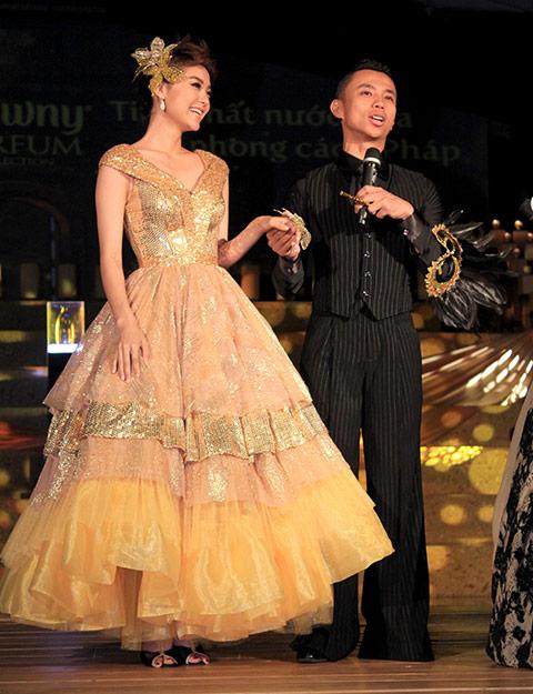 """angela phuong trinh lam """"nu hoang"""" trong lau dai - 9"""