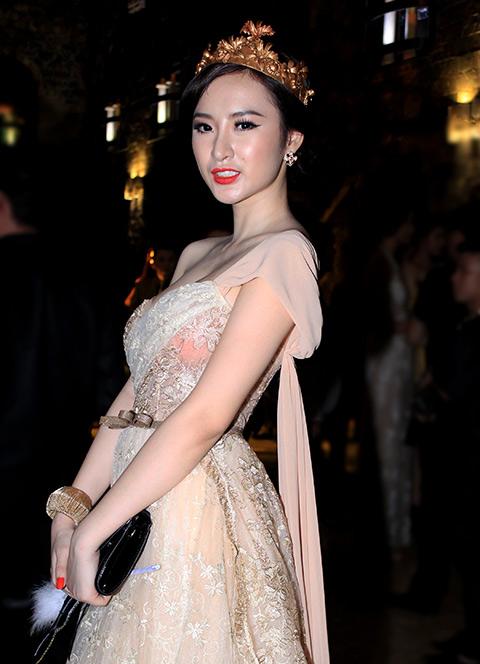 """angela phuong trinh lam """"nu hoang"""" trong lau dai - 2"""