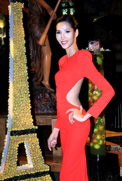 """angela phuong trinh lam """"nu hoang"""" trong lau dai - 5"""