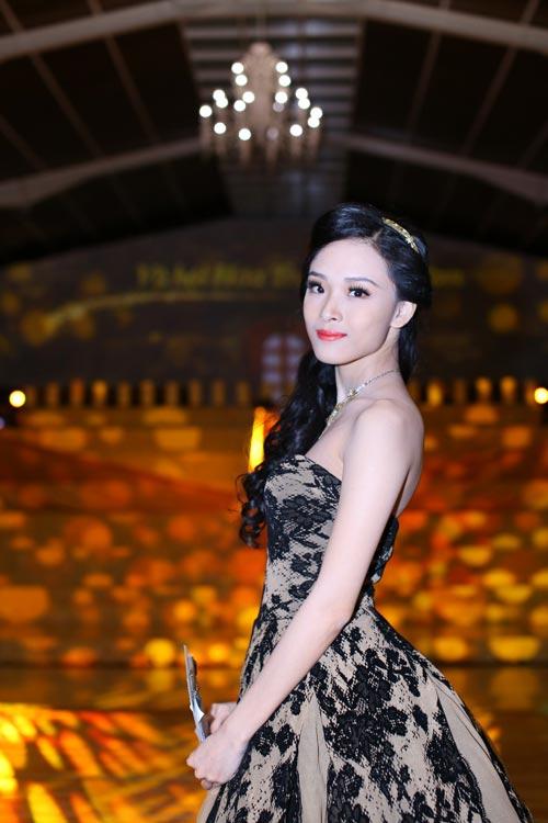 """truong ho phuong nga khoe ve """"huyen bi"""" - 3"""