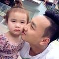 Làng sao - MC Thành Trung đưa con gái đi học