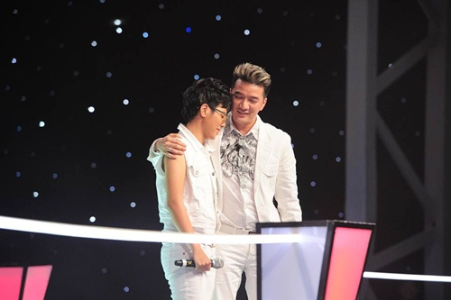 """cat tuong lai gay """"bao""""  the voice - 5"""