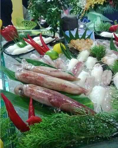 hai san 'chuyen phat nhanh' hut khach - 1