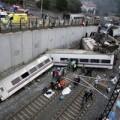 Tin tức - Hiện trường tai nạn tàu hỏa gây sốc tại Tây Ban Nha
