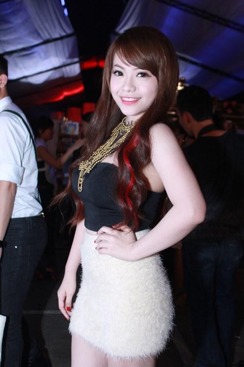 lam chi khanh, huong giang idol than thiet bat ngo - 14