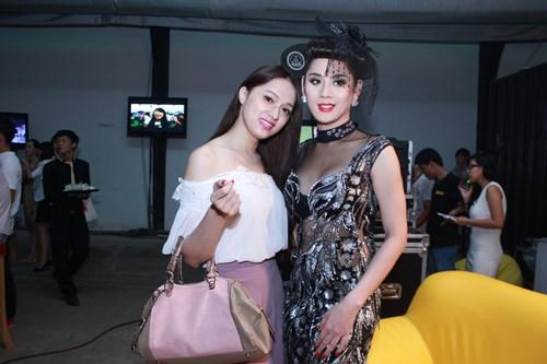 lam chi khanh, huong giang idol than thiet bat ngo - 3