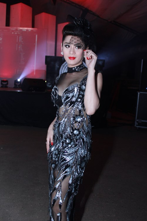 lam chi khanh, huong giang idol than thiet bat ngo - 4