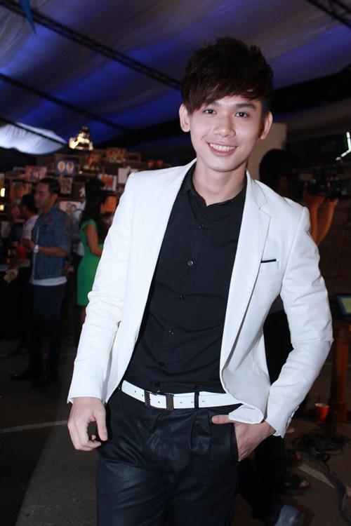 lam chi khanh, huong giang idol than thiet bat ngo - 9