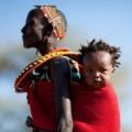 """Làm mẹ - """"Tròn mắt"""" học mẹ Kenya nuôi con"""