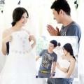 Làng sao - Huy Khánh đưa vợ đi thử váy cưới