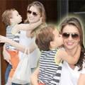"""Làng sao - Nhóc Flynn """"hôn trộm"""" mẹ Miranda trên phố"""