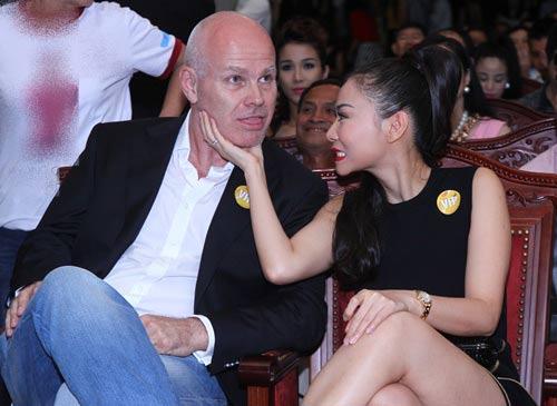 chong tay thu minh va nhung hanh dong gay sot - 3