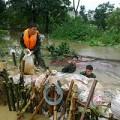 Tin tức - Cận cảnh hàng trăm chiến sỹ cứu đê sông Nhuệ