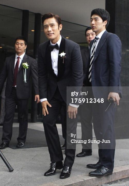 """dam cuoi the ky"" lee byung hun gay ach tac - 11"