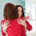 Eva tám - Mẹ khóc ngất vì con gái đi lấy chồng