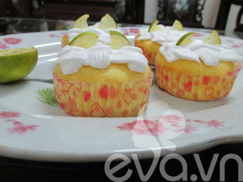 tap lam cupcake bo chanh - 10