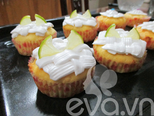 tap lam cupcake bo chanh - 8