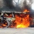 Tin tức - Cận cảnh xe khách bốc cháy ngùn ngụt ở Nghệ An