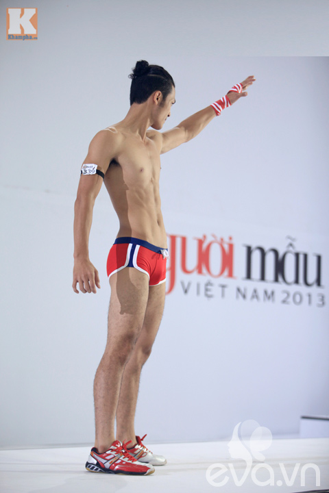 gap hot boy khien thanh hang 'xieu long' - 9