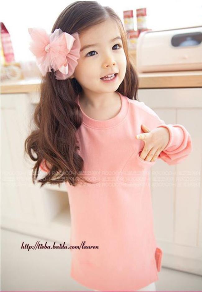 Lauren Hanna Lunde là một trong những sao nhí hot nhất Hàn Quốc hiện nay nhờ vẻ xinh xắn đáng yêu như thiên thần.