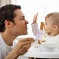 Làm mẹ - Khi bố ra chiêu là con hết bướng