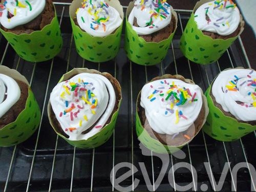 banh cupcake so co la thom ngon - 8