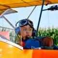 Tin tức - Sốc với cậu bé 5 tuổi đã biết lái máy bay