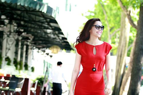 hh dieu han khoe dang giua pho phuong thu do - 7