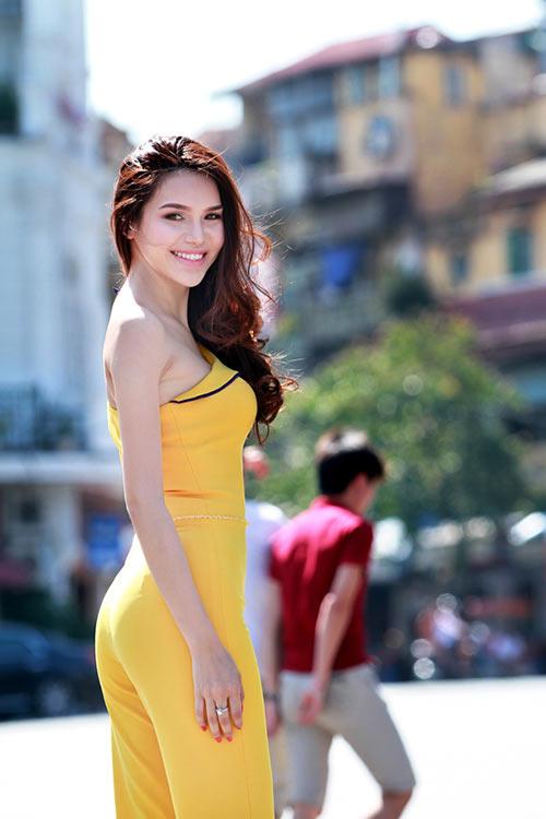 hh dieu han khoe dang giua pho phuong thu do - 4