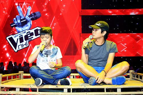 "ban gai tran thanh cung ""me"" the voice kids - 11"
