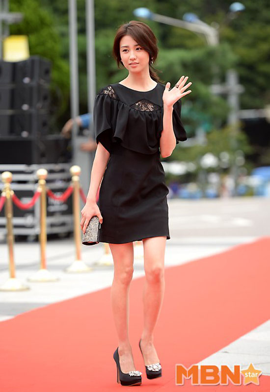 sao hoa han xung xinh di du seoul drama awards - 14