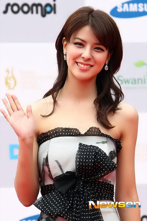 sao hoa han xung xinh di du seoul drama awards - 15