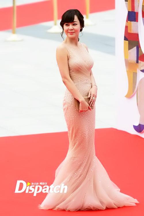 sao hoa han xung xinh di du seoul drama awards - 8
