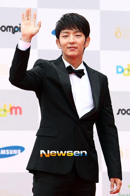 sao hoa han xung xinh di du seoul drama awards - 3