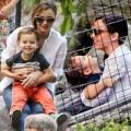 """Làng sao - Nhóc Flynn """"toe toét"""" chơi cầu trượt với mẹ"""