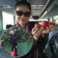 """Làng sao - Thanh Thảo """"hái trộm"""" táo ở Ukraina"""
