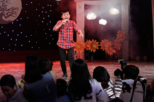 theo chan phuong my chi di dien cung quang anh - 16