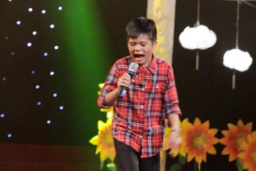 theo chan phuong my chi di dien cung quang anh - 15