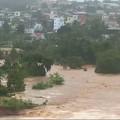2 người chết, 12 người mất tích do bão số 8