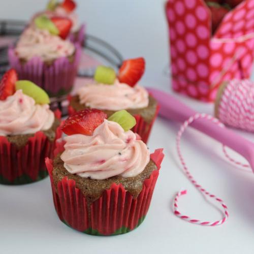 cupcake dau tay kiwi de lam - 12