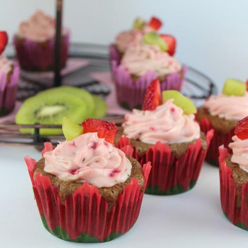 cupcake dau tay kiwi de lam - 18